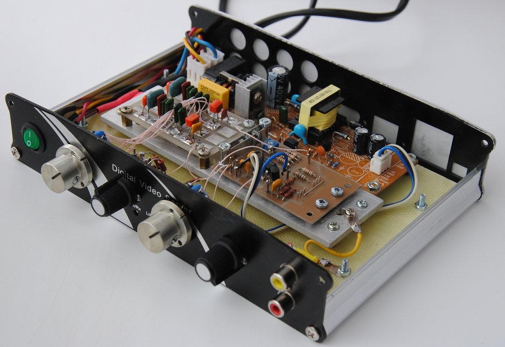 Простой генератор сигналов на мосте Вина