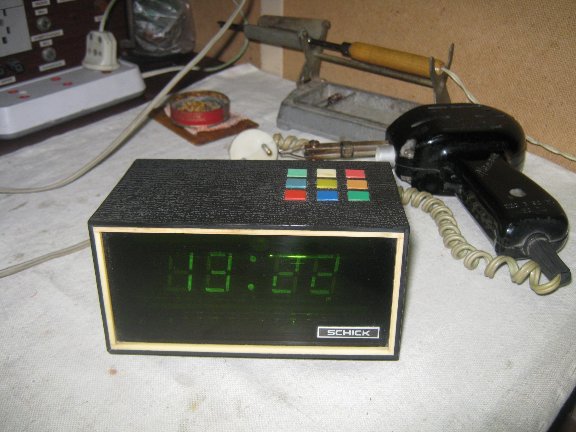 Микросхема крви1 аналог mn предназначена для применения в часах с устройством вывода на 8-сегментный код индикации.