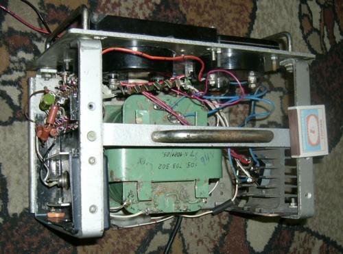 ...Шестивольтную связку шестивольтным же зарядником, восьмивольтную.