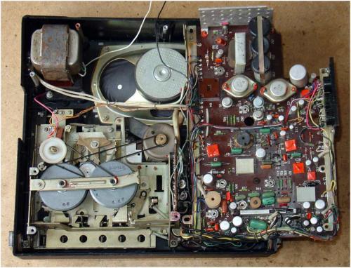 Кассетный магнитофон Весна 202 Тр-р --12-15 ватт.  Ответить с цитатой.  Наверх.