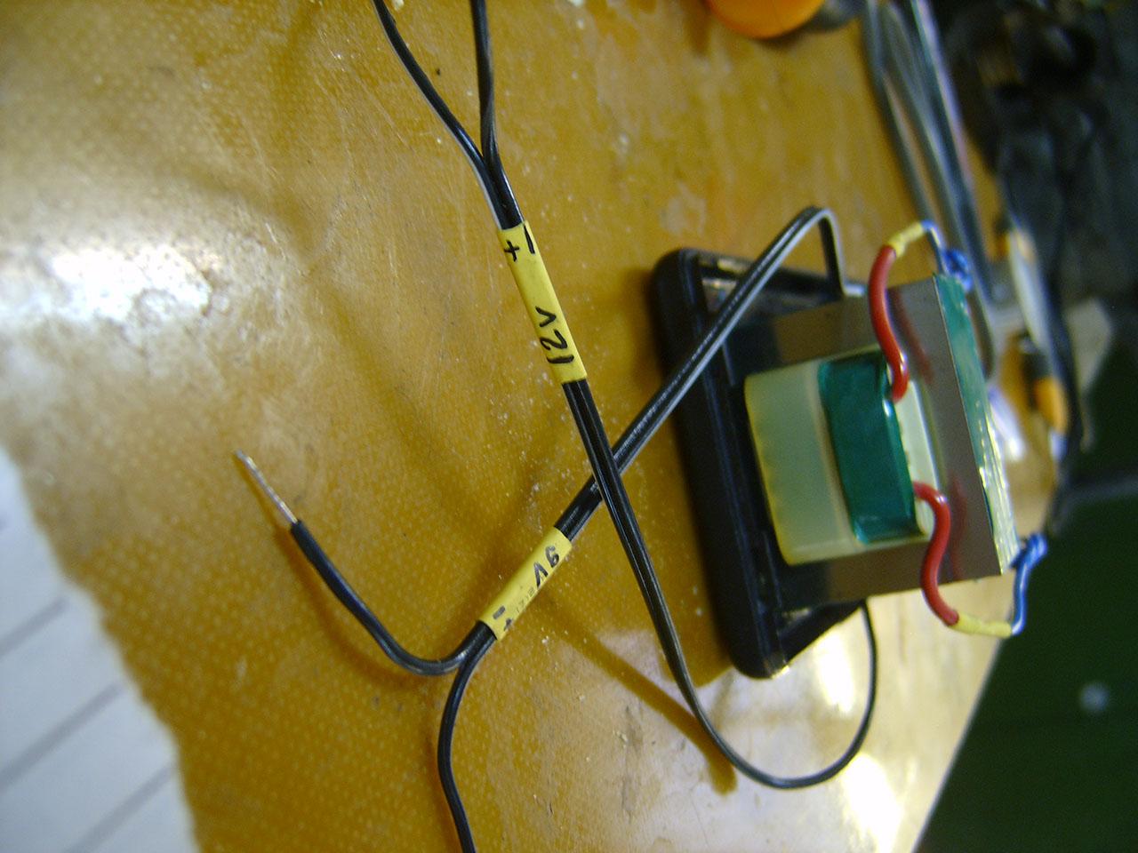 схема задающего устройство напряжения 0 -10 вольт