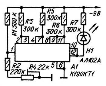 Индикатор разряда аккумуляторных батарей.  Как известно срок службы кадмиево-никелевой аккумуляторной батареи...
