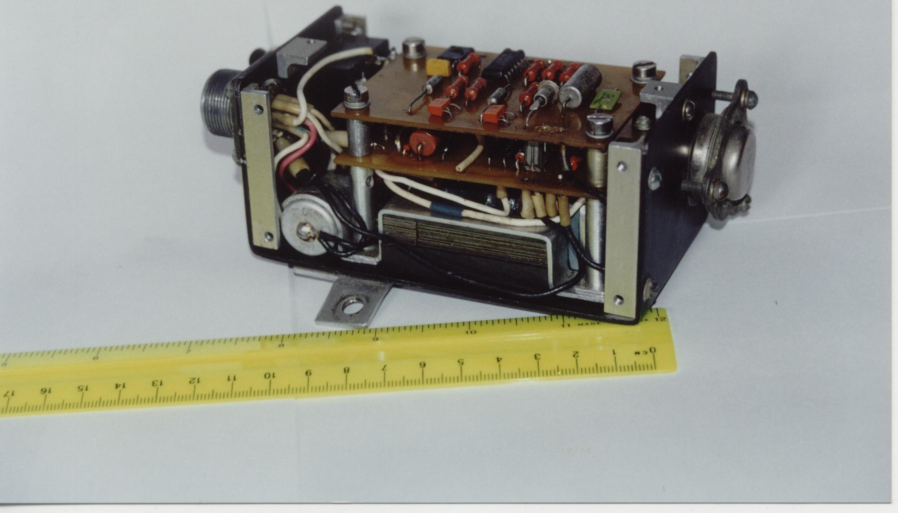 транзисторный аналог тиристора схема
