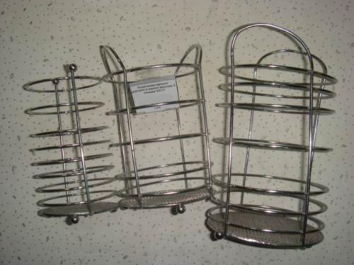 Защитные решётки сделаны из подставки для ложек и вилок.  Опубликовано 08 Октябрь 2012 - 10:19.
