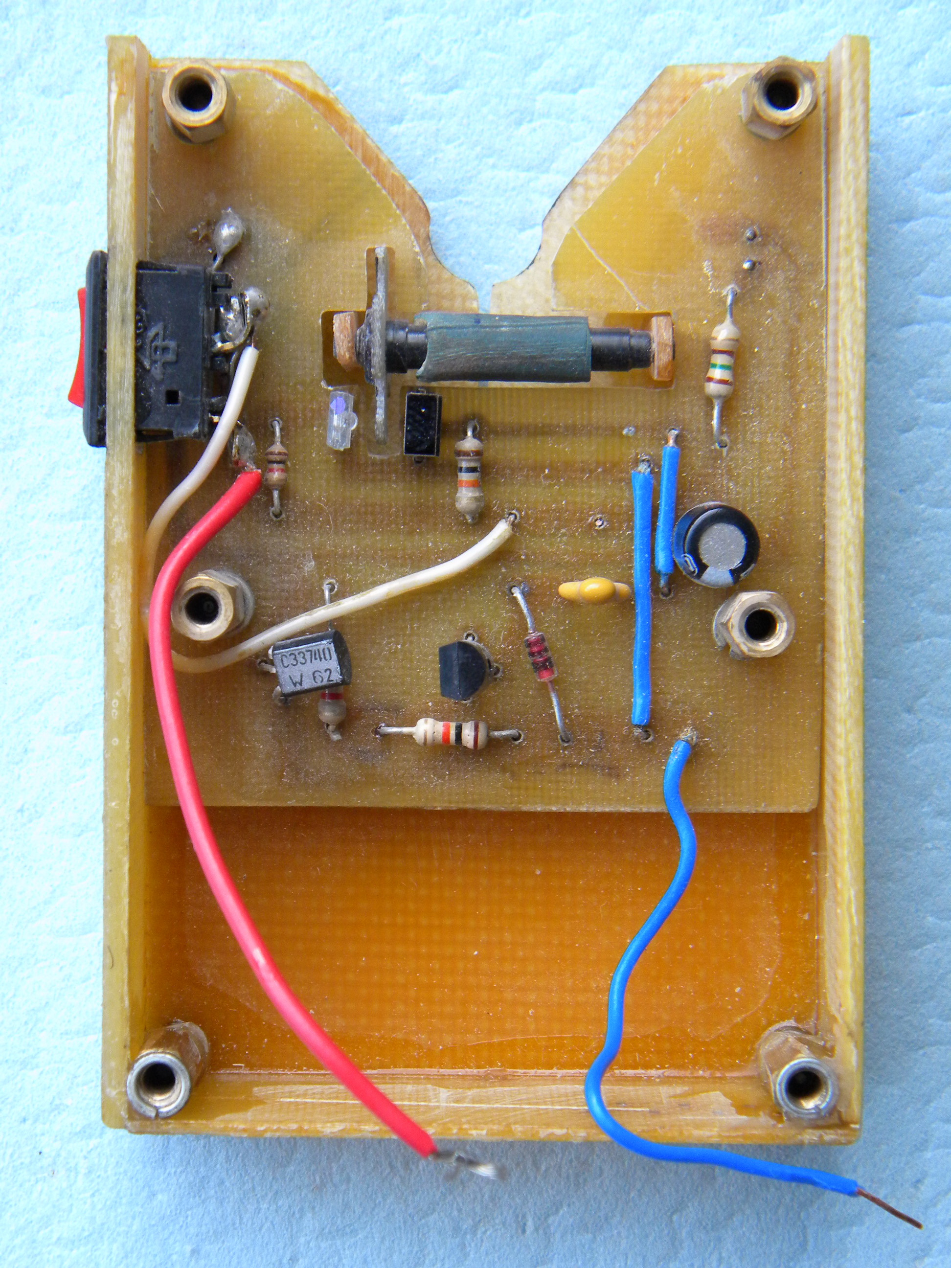 Светозвуковой сигнализатор поклёвки своими руками 44