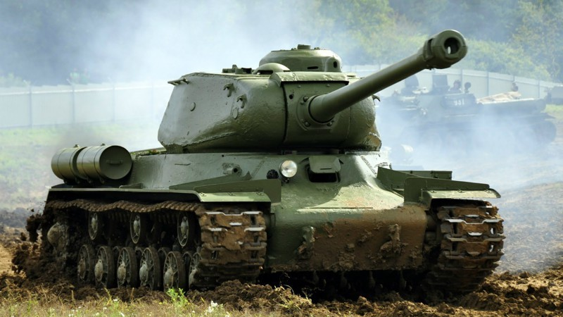 wwwgetbgnet-creative-wallpaper-heavy-tank-is-2-094337-.jpg