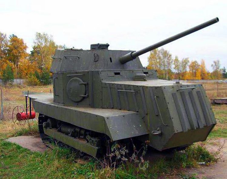 Soviet-tank-NI-1.jpg