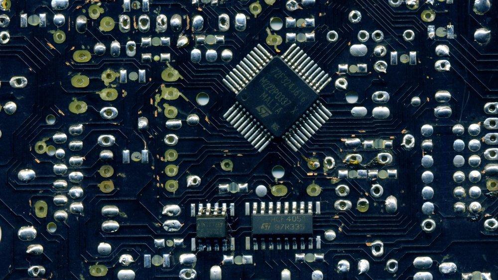 Микроконтроллер ST ST72F324J6T6 QFP44.jpg