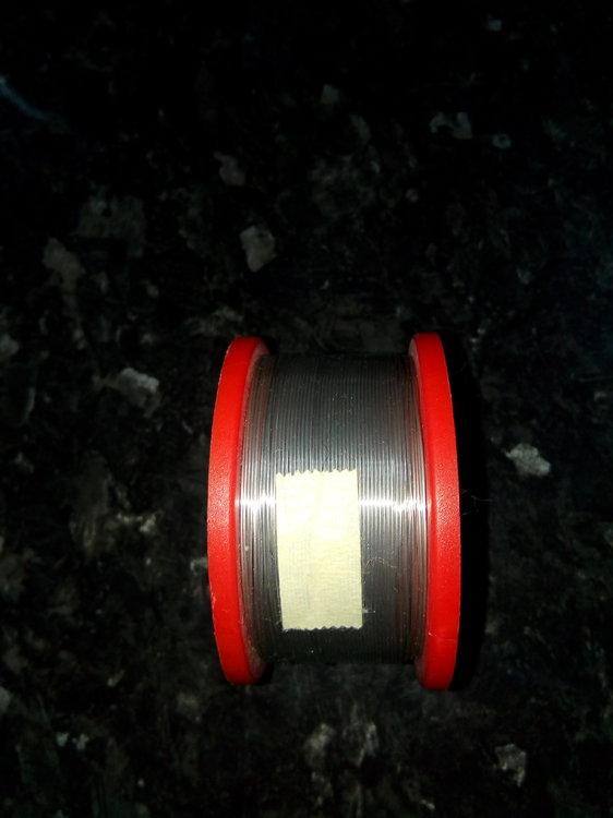 Многоканальный трубчатый припойMulticore (Loctite) с флюсом, не требующим отмывки. Цена 900р за катушку. В наличи (2).jpg