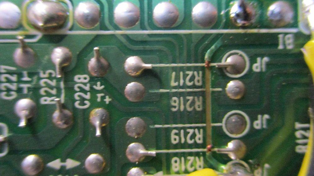 19Rhn8VM02s.jpg